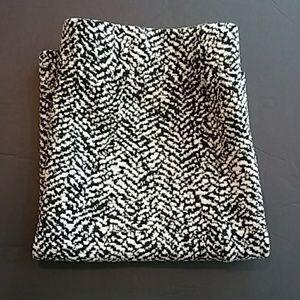 H&M Women's Black White Skirt Size M NWT